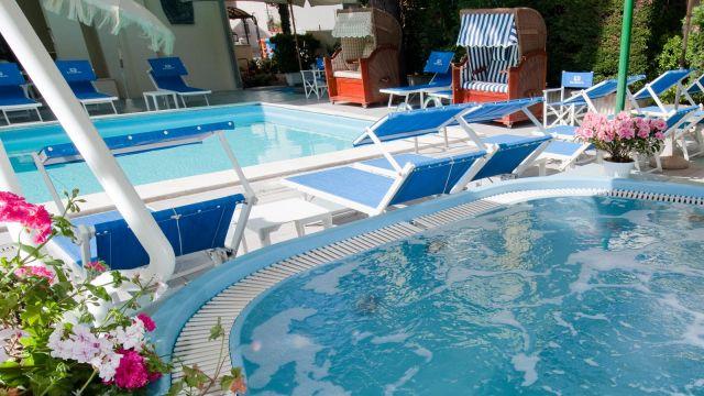 Hotels Mit Schwimmbad In Rimini Für Kinder Und Erwachsene